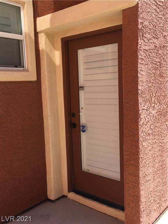 656 Harvester Course Drive, Las Vegas, NV 89148 (MLS #2333120) :: Vestuto Realty Group