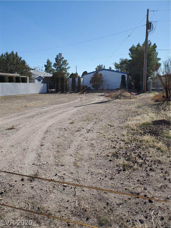 231 W Ivy, Pahrump, NV 89048 (MLS #2163461) :: The Lindstrom Group