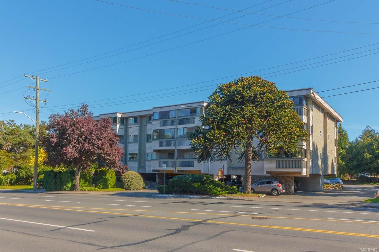 1525 Hillside Ave - Photo 1