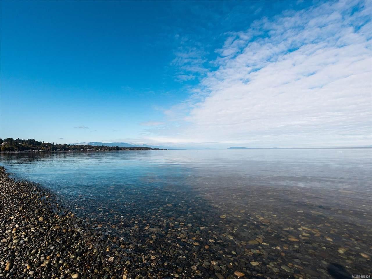 2734 Island Hwy - Photo 1