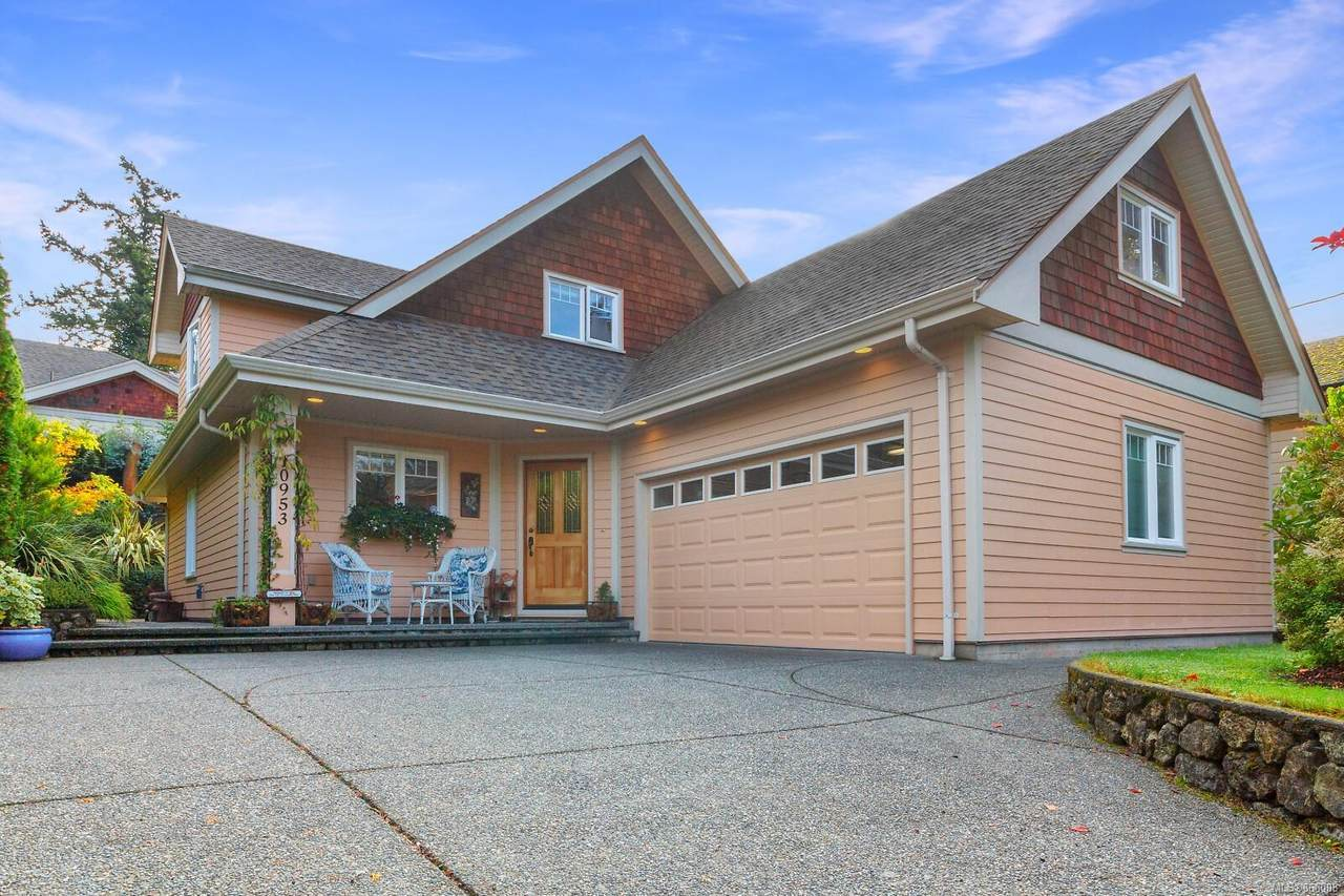 10953 Chalet Rd - Photo 1