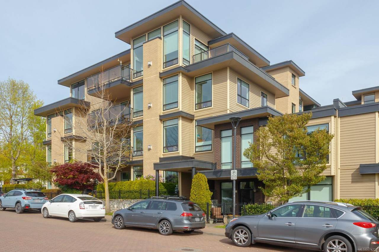 330 Waterfront Cres - Photo 1