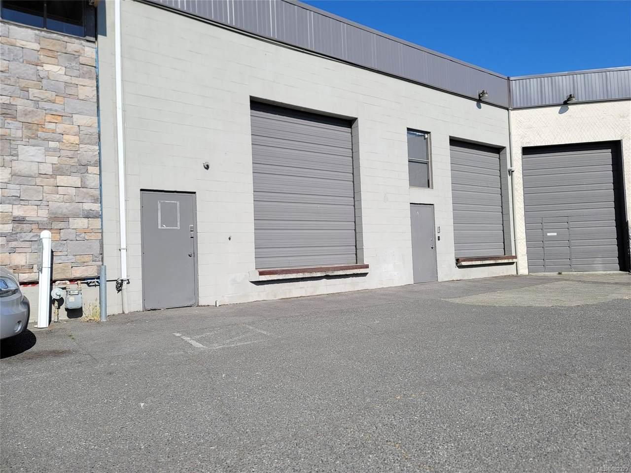 561 Hillside Ave - Photo 1