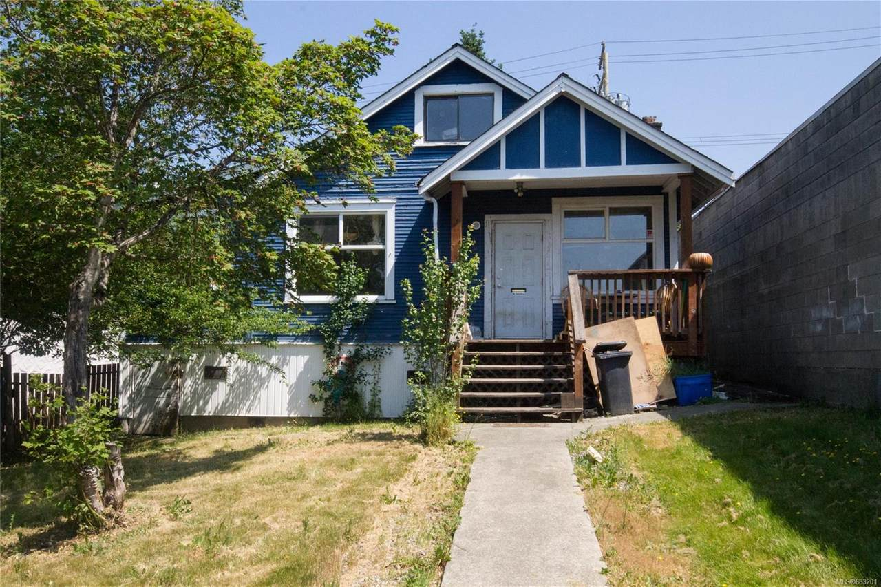 3151 3rd Ave - Photo 1