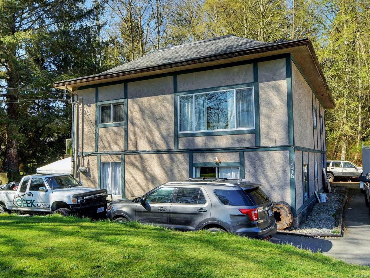 1676 Whiffin Spit Rd - Photo 1
