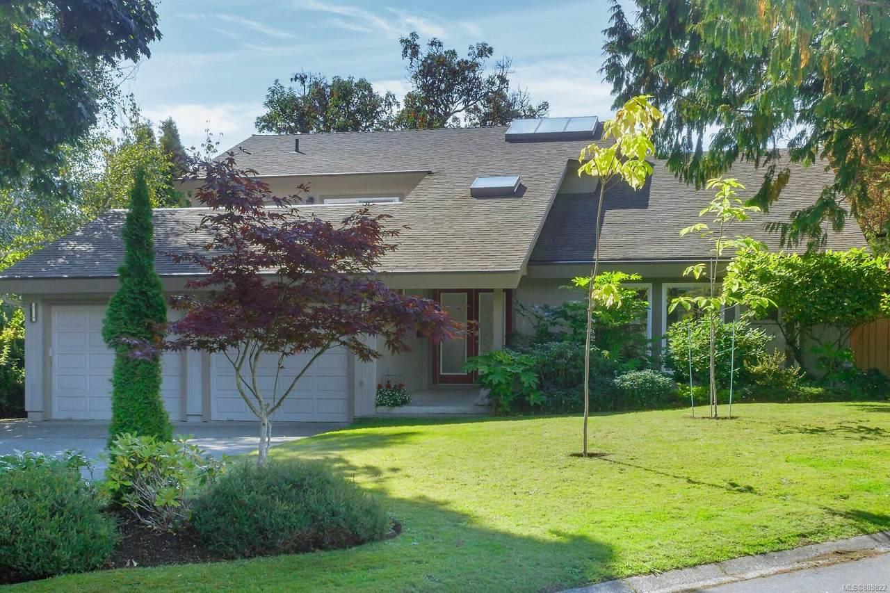 2315 Greenlands Rd - Photo 1