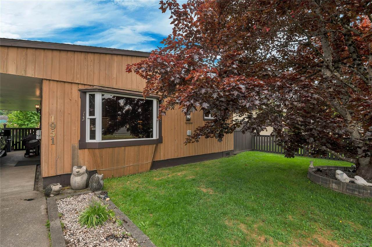 1951 17th Ave - Photo 1