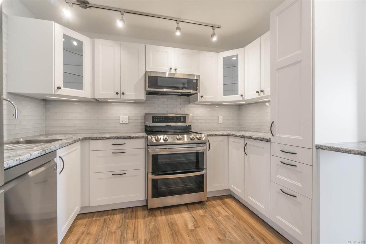 315 Hecate St - Photo 1