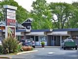 2260 Cadboro Bay Rd - Photo 38