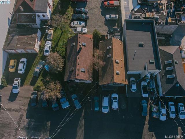 737 Princess Ave, Victoria, BC V8T 1K5 (MLS #405844) :: Day Team Realtors