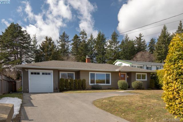 7226 East Saanich Rd, Central Saanich, BC V8M 1Y4 (MLS #406857) :: Day Team Realtors