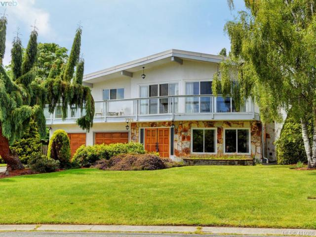 7960 See Sea Pl, Central Saanich, BC V8M 1L4 (MLS #411086) :: Day Team Realty