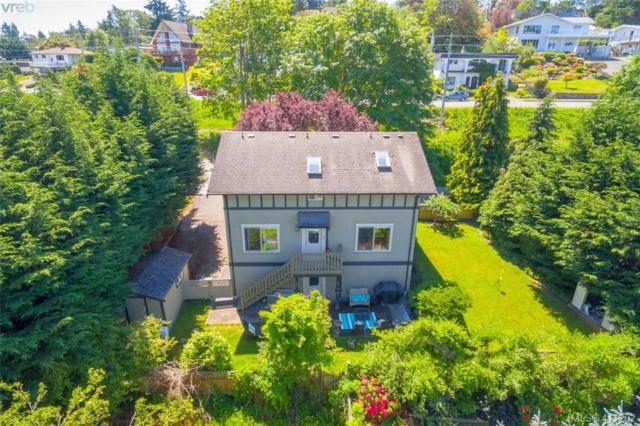 822 Macleod Ave, Victoria, BC V9A 6E9 (MLS #411202) :: Day Team Realty