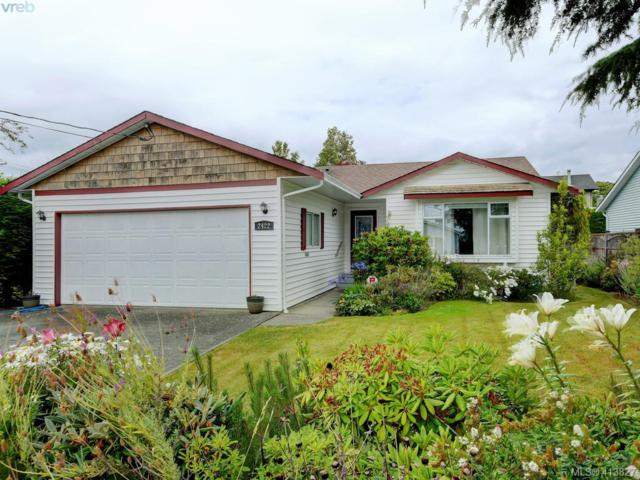 2422 Orchard Ave, Sidney, BC V8L 4Z3 (MLS #413827) :: Day Team Realty