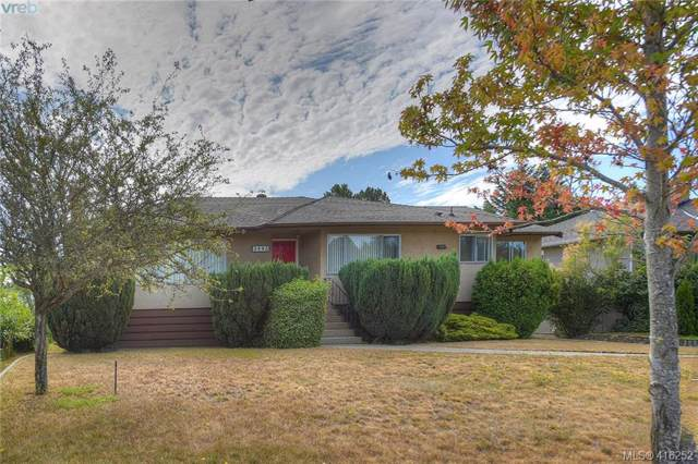 3443 Henderson Rd, Victoria, BC V8P 5A8 (MLS #416252) :: Day Team Realty