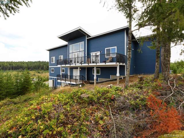 4836 Goldstream Heights Dr, Malahat & Area, BC V0R 2W3 (MLS #416444) :: Day Team Realty