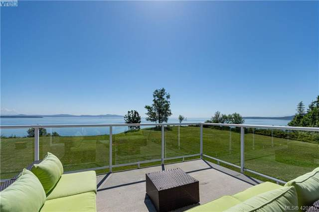 3285 Livesay Rd, Central Saanich, BC V8M 1W7 (MLS #420110) :: Day Team Realty