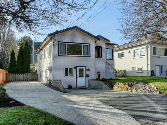 843 Selkirk Ave, Victoria, BC V9A 2T7 (MLS #421383) :: Day Team Realty