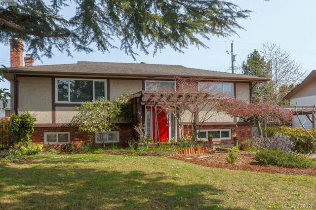 1708 Sprucewood Pl, Victoria, BC V8N 1H3 (MLS #424028) :: Day Team Realty