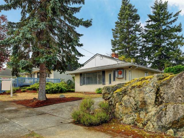 2522 Shakespeare St, Victoria, BC V8R 4G5 (MLS #854163) :: Day Team Realty
