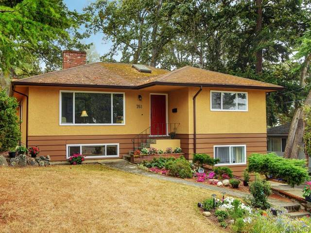 761 Genevieve Rd, Saanich, BC V8X 3R4 (MLS #854970) :: Day Team Realty