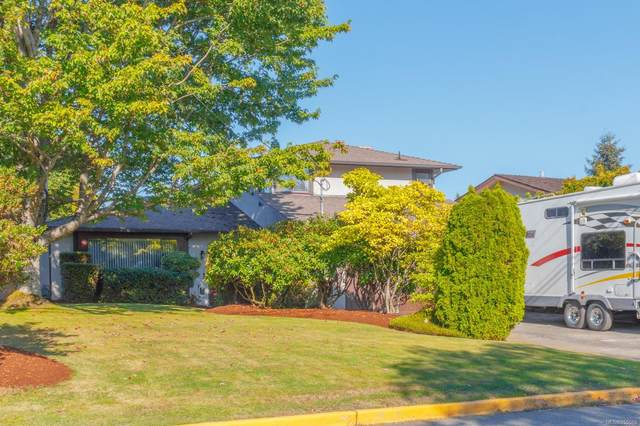 1906 Mount Newton Cross Rd, Central Saanich, BC V8M 1K8 (MLS #855588) :: Day Team Realty
