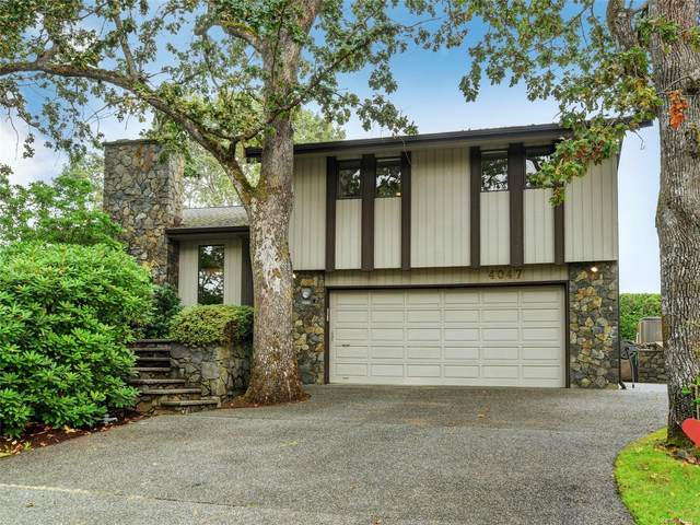 4047 Hopesmore Dr, Saanich, BC V8N 5T9 (MLS #855989) :: Day Team Realty