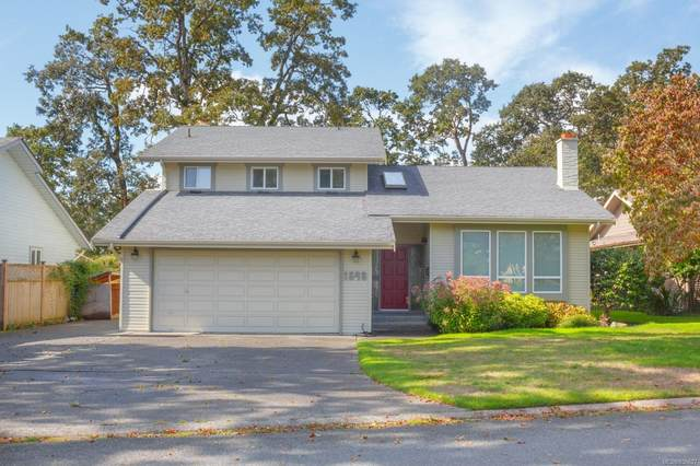 1548 Eric Rd, Saanich, BC V8Z 0B9 (MLS #856627) :: Day Team Realty