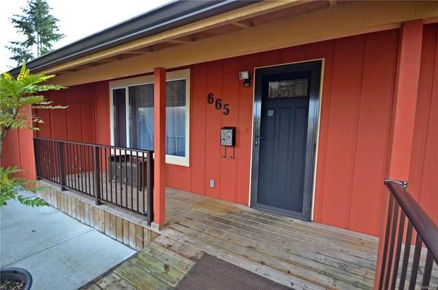 665 Beaconsfield Rd, Nanaimo, BC V9R 1X1 (MLS #863037) :: Day Team Realty