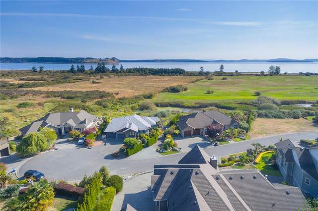 7012 Beach View Crt, Central Saanich, BC V8M 2J7 (MLS #867172) :: Day Team Realty