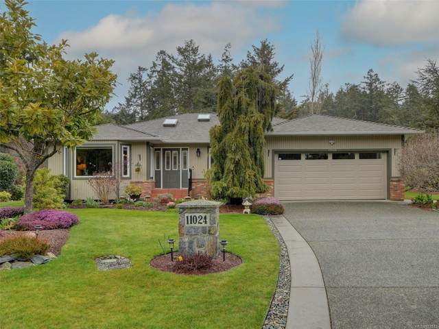 11024 Tryon Pl, North Saanich, BC V8L 5H6 (MLS #872513) :: Day Team Realty