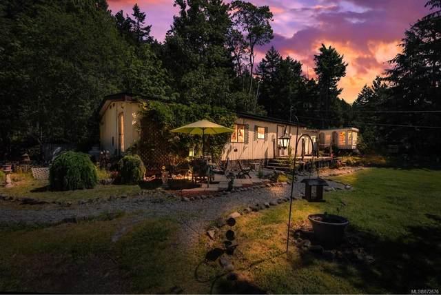 687-689 Shawnigan Lake Rd, Shawnigan Lake, BC V0R 2L0 (MLS #872676) :: Call Victoria Home
