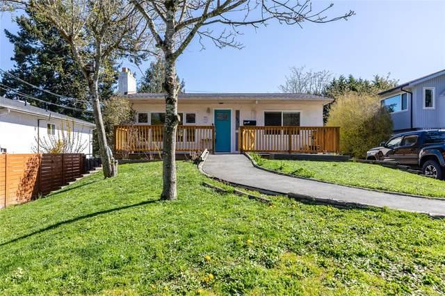 4073 Hatfield Rd, Saanich, BC V8Z 4W5 (MLS #872841) :: Call Victoria Home