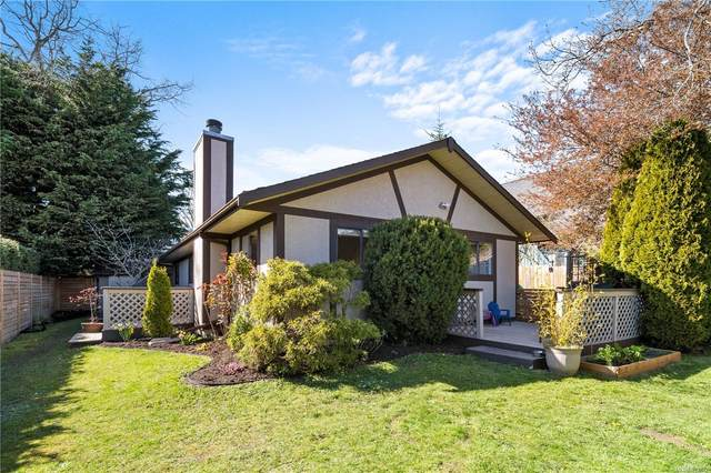 957 Maddison St, Victoria, BC V8S 4C6 (MLS #873422) :: Call Victoria Home