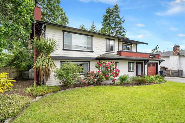 821 Stellys Cross Rd, Central Saanich, BC V8M 1J4 (MLS #877068) :: Day Team Realty