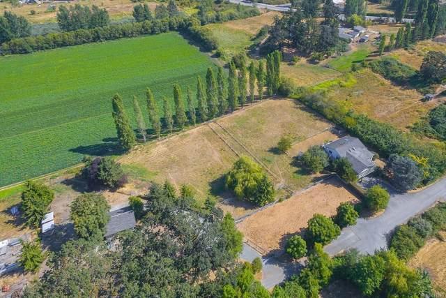1330 Roy Rd, Saanich, BC V8Z 2Y2 (MLS #877249) :: Pinnacle Homes Group