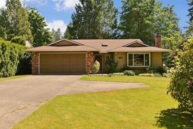 1003 Greig Ave, Central Saanich, BC V8M 1J6 (MLS #877703) :: Day Team Realty