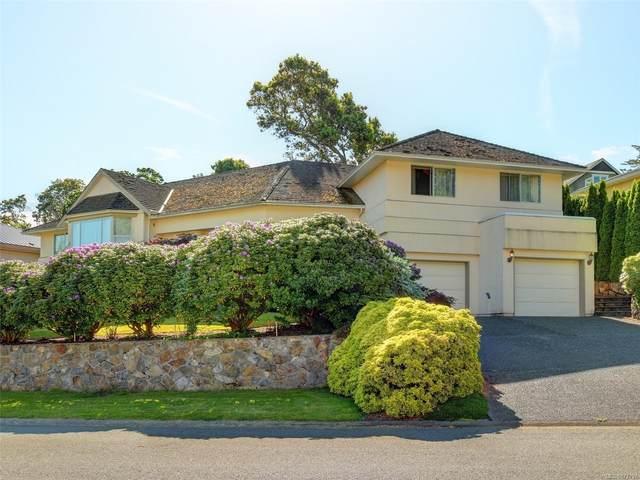 765 Wesley Crt, Saanich, BC V8Y 3E6 (MLS #877797) :: Pinnacle Homes Group