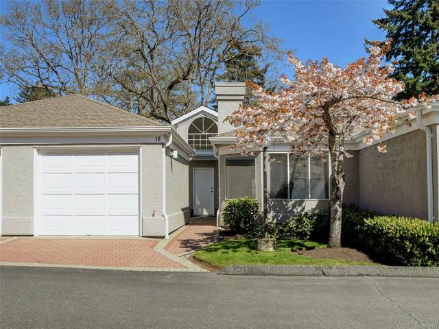 3969 Cedar Hill Cross Rd #10, Saanich, BC V8P 2N9 (MLS #878111) :: Day Team Realty