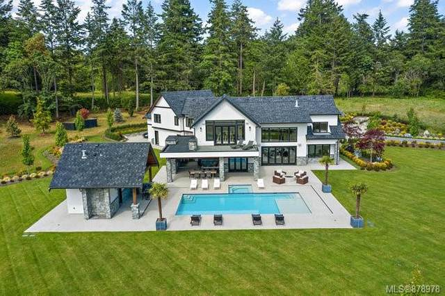 4671 Pipeline Rd, Saanich, BC V8Z 5M6 (MLS #878978) :: Day Team Realty