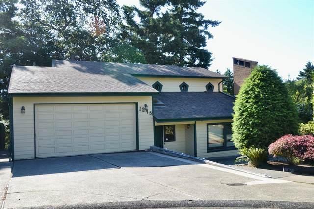 1245 Astra Pl, Saanich, BC V8P 5N5 (MLS #878996) :: Pinnacle Homes Group