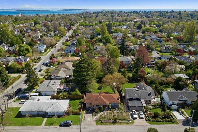 961 Runnymede Pl, Oak Bay, BC V8S 2V8 (MLS #879143) :: Pinnacle Homes Group