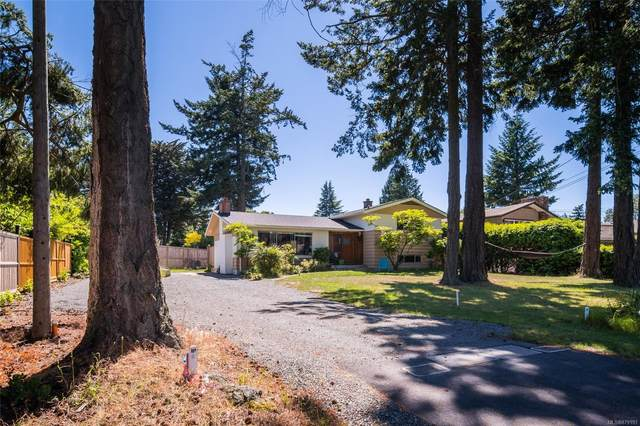 1917 San Juan Ave, Saanich, BC V8N 2J3 (MLS #879193) :: Pinnacle Homes Group