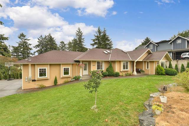 6893 Saanich Cross Rd, Central Saanich, BC V8Z 5X7 (MLS #884678) :: Day Team Realty