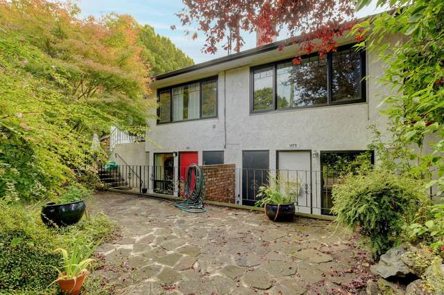 1479 Bay St, Victoria, BC V8R 2A6 (MLS #887402) :: Day Team Realty