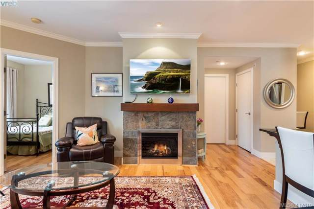 1325 Bear Mountain Pkwy #305, Victoria, BC V9B 6T8 (MLS #417610) :: Day Team Realty