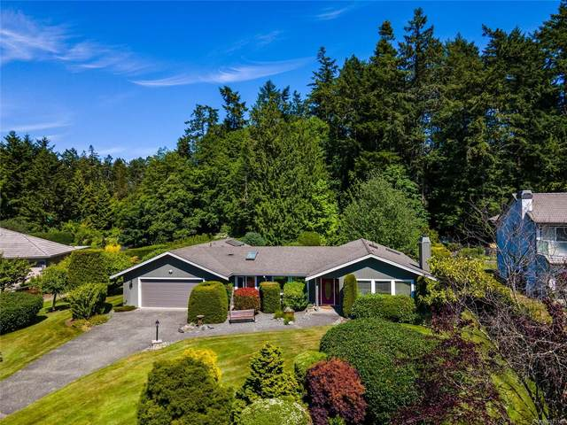 11027 Tryon Pl, North Saanich, BC V8L 5H6 (MLS #875169) :: Day Team Realty