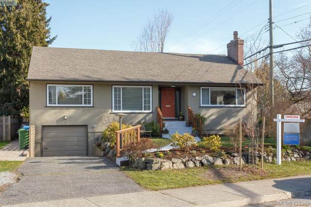 2927 Henderson Rd, Victoria, BC V8R 5M4 (MLS #421389) :: Day Team Realty