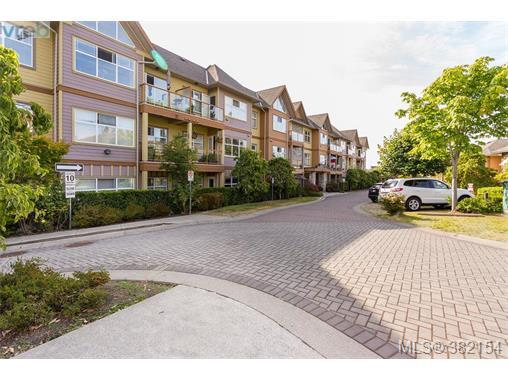 1959 Polo Park Crt #112, Central Saanich, BC V8M 2K1 (MLS #382154) :: Day Team Realtors