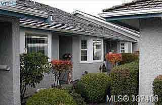 2070 Amelia Ave #45, Sidney, BC V8L 4X6 (MLS #387498) :: Day Team Realtors